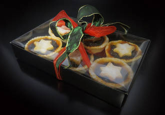 6 tarts - black card base with internal PVC lid