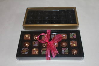 18 Piece Chocolate Box Double Walled Card Base & PVC Lid +Insert